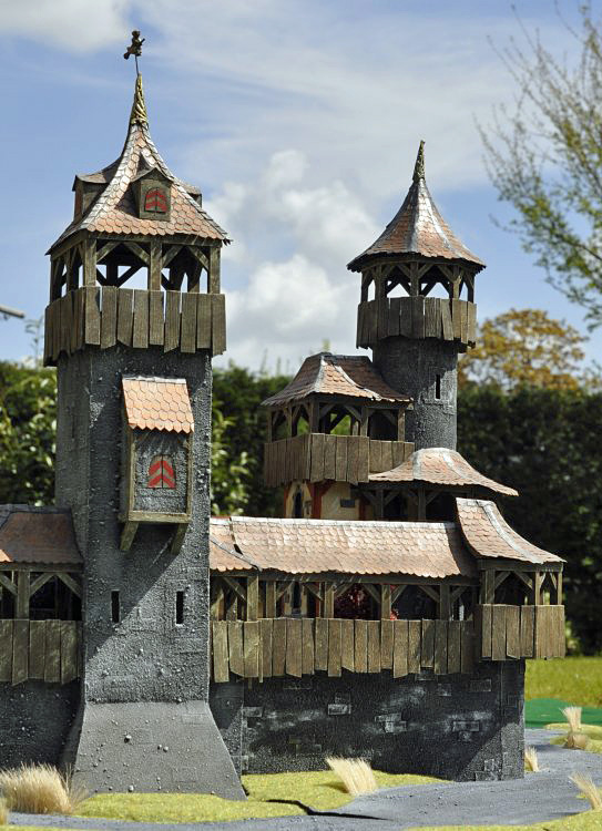 Cardboard Castle 01